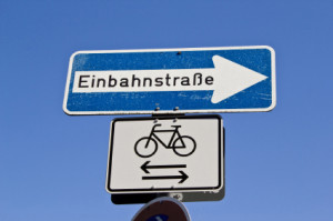 Am linken Fahrbahnrand zu parken, ist meist nur in einer Einbahnstraße gestattet.