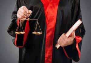 Eine Ordnungswidrigkeit ist von einer Straftat zu unterscheiden.