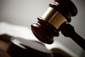 Das Ordnungswidrigkeitengesetz regelt den Umgang mit Ordnungswidrigkeiten.