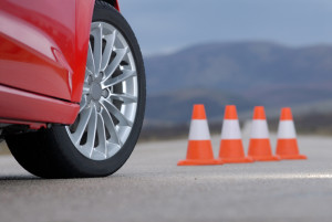 Ungeübte Fahrer sollten mit ihrem Auto das Wenden erst ein paar Mal üben.