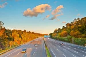Das Rechtsfahrgebot gilt auch auf der Autobahn.