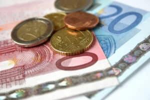 Ein Bußgeldbescheid von der Zentralen Bußgeldstelle Hessen kann teuer ausfallen.