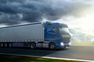 Auch Lkw-Fahrer werden von der Bußgeldstelle in Niedersachsen ermahnt.