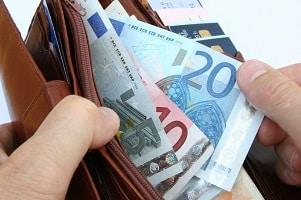 Ein Bußgeldbescheid von der Bußgeldstelle Rostock kann teuer werden.