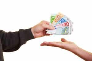 Ein Bußgeldbescheid von der Bußgeldstelle in Sachsen kann teuer werden.