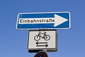 Wer die Verkehrsregeln missachtet, bekommt Post von einer Bußgeldstelle in Sachsen-Anhalt.