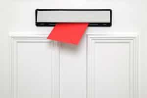 Wird ein Bußgeldbescheid per Einschreiben versendet?