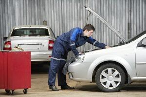 Es werden zwei Formen der Wertminderung beim Auto unterschieden.