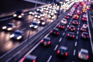 Ein Verkehrsverstoß auf der Autobahn kann ein hohes Bußgeld nach sich ziehen.
