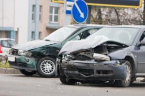 Beim Fahren unter Drogen können schwere Unfälle passieren.