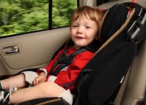 Die Gurtpflicht für Kinder sollte besonders beachtet werden.