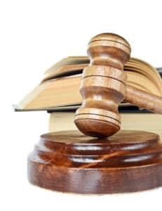 Eine Geldauflage wird auferlegt, wenn ein Strafprozess beendet wird.