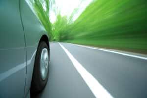 Bei der Geschwindigkeitsmessung durch Nachfahren kann die Kontrolle auf drei verschiedene Wege erfolgen.