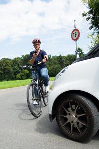 Handy am Steuer: Einen Einspruch können Sie auch als Radfahrer einlegen.