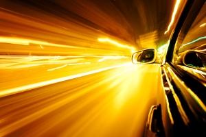 Ein Fahrverbot wird auch in Österreich bei zu hoher Geschwindigkeit verhängt.