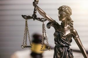 Unabhängig von den Chancen beim Einspruch ggn. den Bußgeldbescheid ist das Recht dazu.