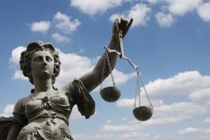 Welche Strafe für unterschrittenen Sicherheitsabstand gibt es gemäß Verkehrsrecht?