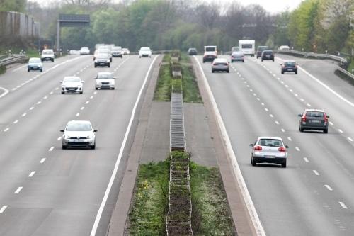 Der Toleranzabzug bei der Geschwindigkeitsmessung auf Autobahnen ist meist größer.