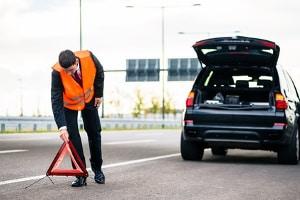 Unfallstelle absichern: So können Sie nach dem Auffahrunfall ein Bußgeld vermeiden