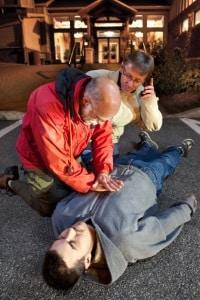 Auch nach einem Autounfall mit dem Mietwagen hat erste Hilfe oberste Priorität.