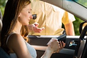 Ist das Fahrtenbuch Pflicht, müssen Sie es in der Kontrolle vorweisen können.