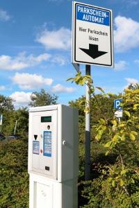Kommunale Verkehrsüberwachung führt auch die Parkraumüberwachung durch.