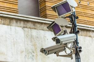 Verkehrsüberwachung kann auch mit Kameras passieren.