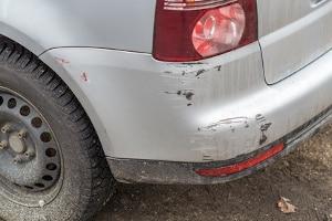 Eine Fahrerflucht mit Bagatellschaden wird teilweise nicht einmal bemerkt.